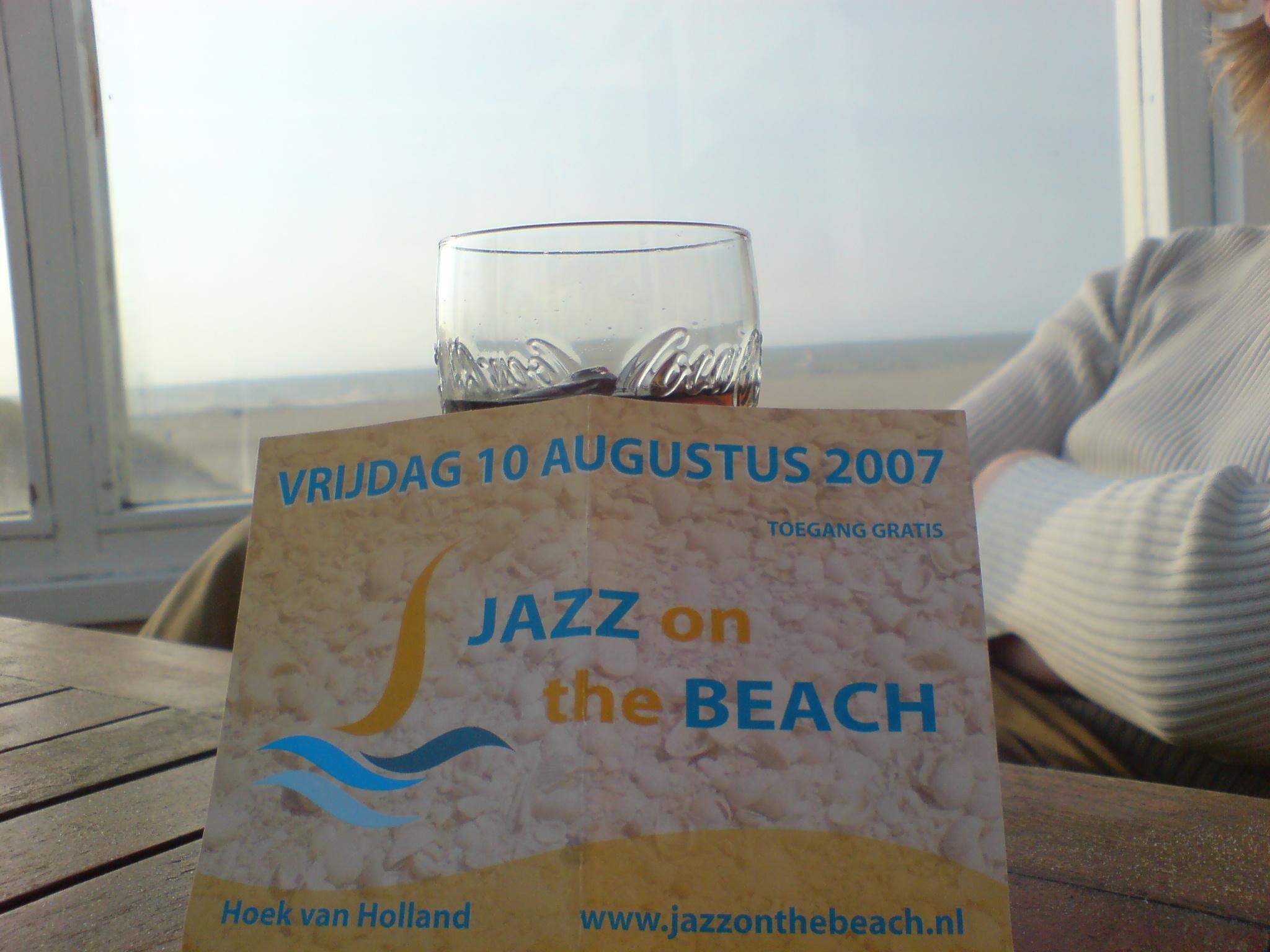 Flyer Jazz on the beach, on the beach