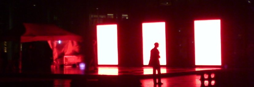Led display showing red